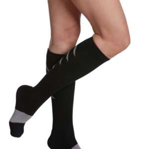 Sigvaris Athletic Recovery Sock, 15-20 mmHg, Calf High, Closed Toe (Womens) (Black)